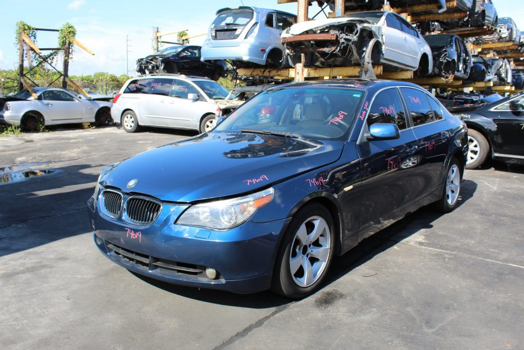 Junk 2006 BMW 525I